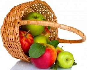 Koszyczek z jabłkami